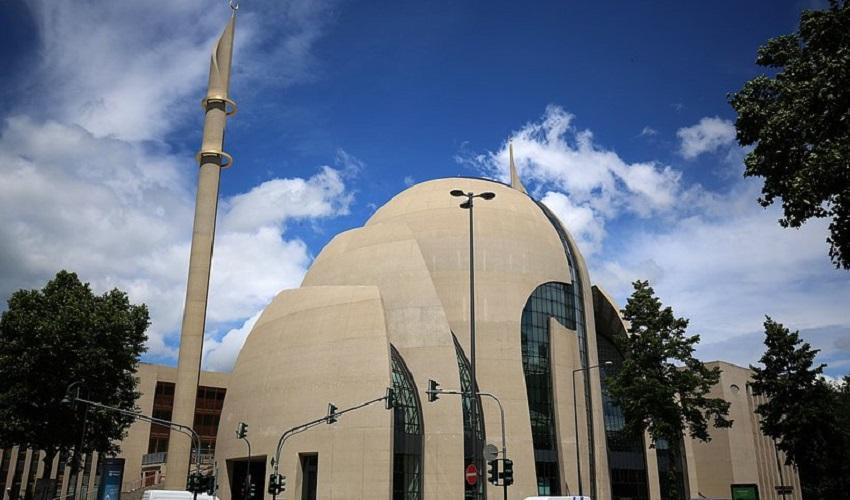 Die neue Moschee der Türkisch-Islamischen Union Ditib in Köln © Oliver Berg/dpa